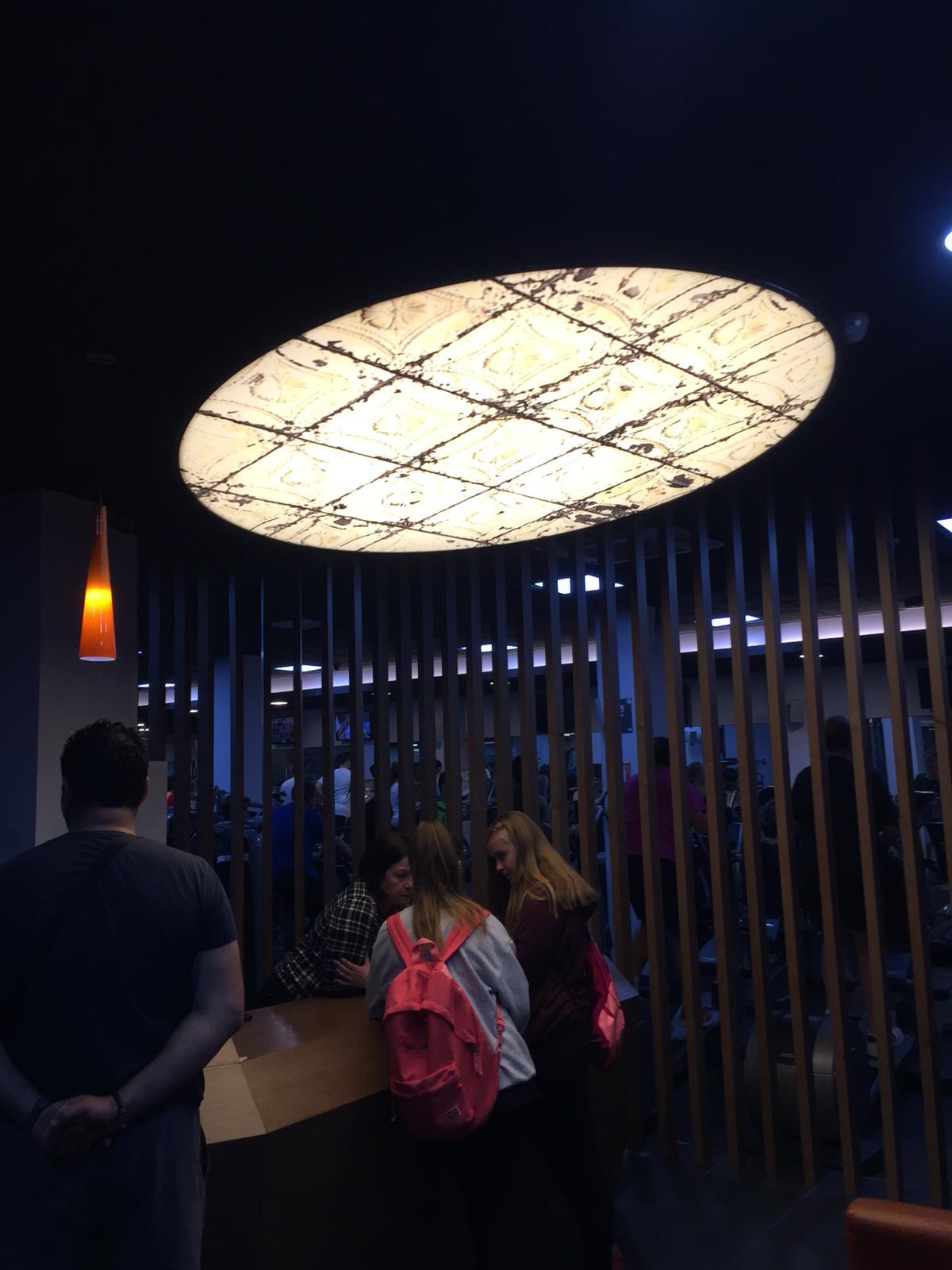 Luminosos y rótulos en Sevilla
